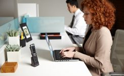 ShoreTel's 930D Wireless IP Phone